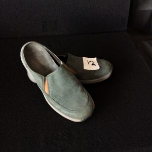 Women's Clarks green suede slip-on, Size 6M