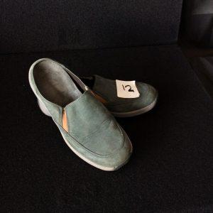 Women's Clarks green suede slip-on, Size 6M