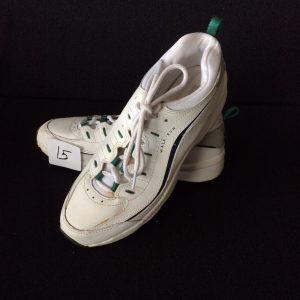 Women's walking shoe, white and green, Size 9