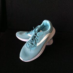 Women's walking shoe, aqua, Size8.5 (new)