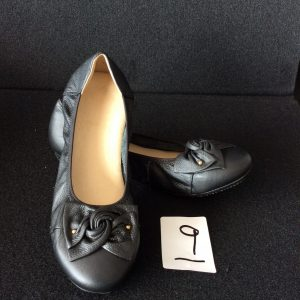 Women's black flats, Size 9 narrow