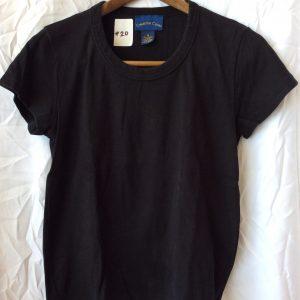 Women's black t-shirt, size medium