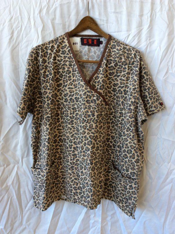 Women's scrub top, size xxl