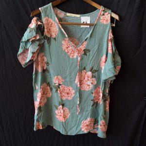 Women's floral top, size medium