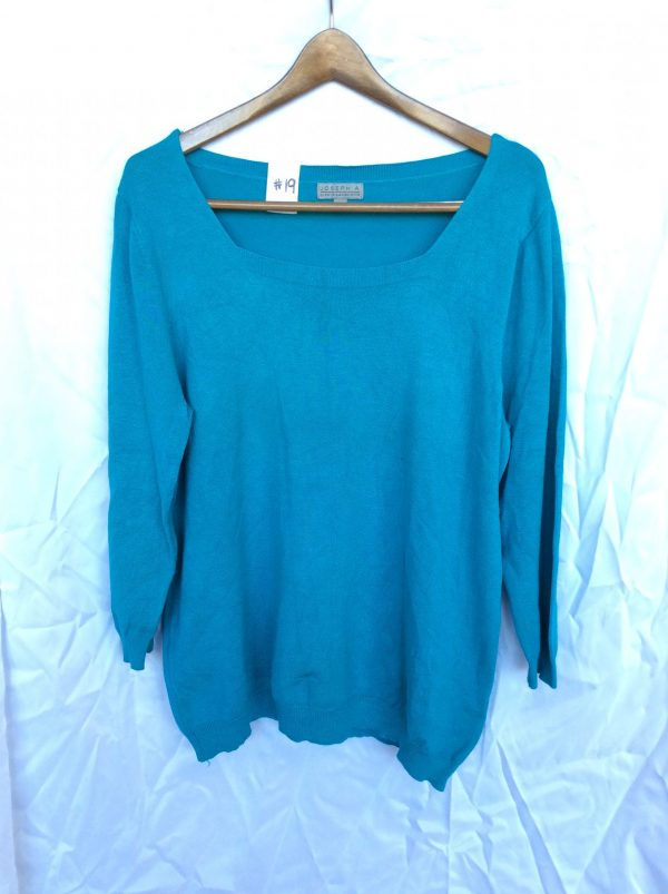 Women's lightweight teal sweater, size large